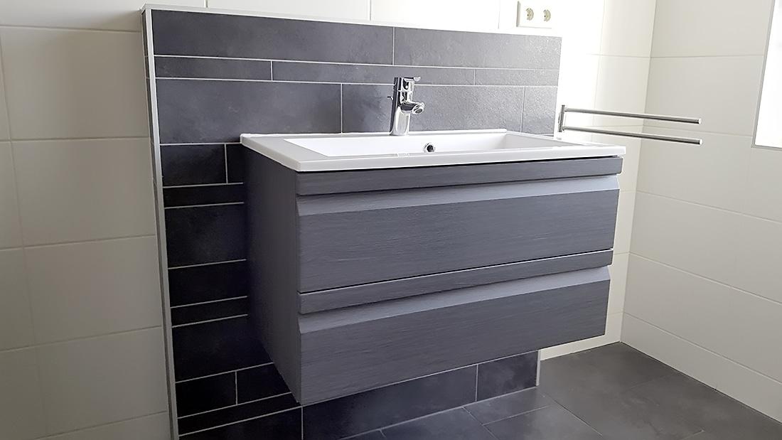 Stellen en storten betonfundering bouwbedrijf s kooij - Betegelen van natuurstenen badkamer ...
